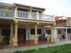 Casa En Venta En Municipio San Diego, Los Jarales, Venezuela, VE RAH: 16-13119