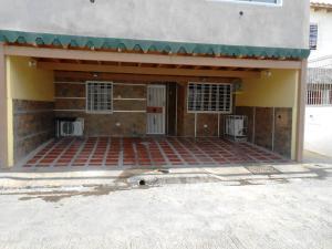 Apartamento En Venta En Maracay, La Orquidea, Venezuela, VE RAH: 16-13281