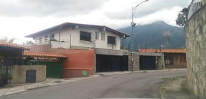Casa En Alquiler En Caracas, El Marques, Venezuela, VE RAH: 16-13301