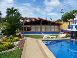 Casa En Venta En Higuerote, Puerto Encantado, Venezuela, VE RAH: 16-13306