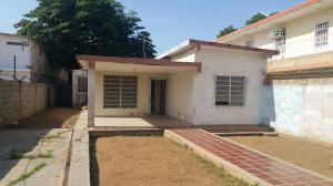 Casa En Venta En Municipio San Francisco, El Bajo, Venezuela, VE RAH: 16-13315