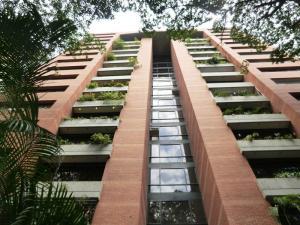 Apartamento En Venta En Caracas, El Rosal, Venezuela, VE RAH: 16-13352