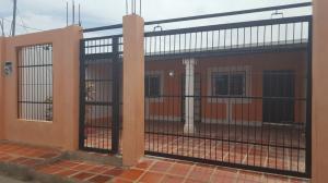 Casa En Venta En Coro, Las Calderas, Venezuela, VE RAH: 16-13362