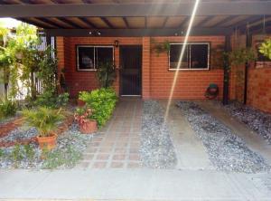 Casa En Venta En Guatire, Villa Del Este, Venezuela, VE RAH: 16-13393