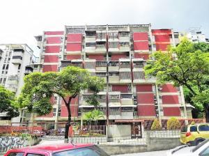 Apartamento En Venta En Caracas, Santa Monica, Venezuela, VE RAH: 16-13392