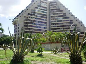 Apartamento En Venta En Caracas, Juan Pablo Ii, Venezuela, VE RAH: 16-13402