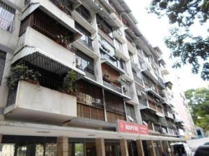 Apartamento En Venta En Caracas, El Paraiso, Venezuela, VE RAH: 16-13404