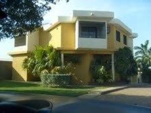 Casa En Venta En Los Puertos De Altagracia, Via Principal, Venezuela, VE RAH: 16-13405