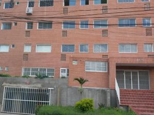 Apartamento En Venta En La Victoria, El Recreo, Venezuela, VE RAH: 16-13411
