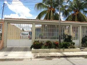 Casa En Venta En Cagua, Corinsa, Venezuela, VE RAH: 16-13418