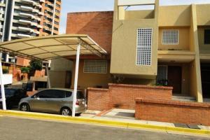 Casa En Venta En Valencia, Altos De Guataparo, Venezuela, VE RAH: 16-13437