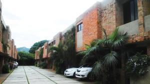 Townhouse En Venta En Valencia, El Parral, Venezuela, VE RAH: 16-13469