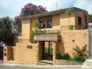 Casa En Venta En Caracas, La Lagunita Country Club, Venezuela, VE RAH: 16-13465