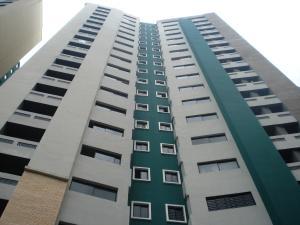 Apartamento En Venta En Valencia, Valles De Camoruco, Venezuela, VE RAH: 16-13470