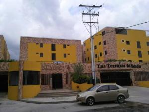 Apartamento En Venta En Maracay, El Limon, Venezuela, VE RAH: 16-13477