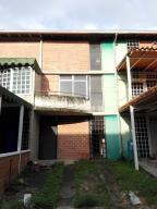 Townhouse En Venta En Guarenas, Nueva Casarapa, Venezuela, VE RAH: 16-13489