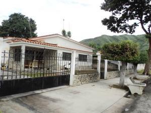 Casa En Venta En Maracay, La Floresta, Venezuela, VE RAH: 16-13496