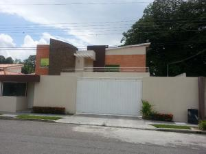 Casa En Venta En Municipio San Diego, Chalet Country, Venezuela, VE RAH: 16-13508
