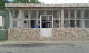 Casa En Venta En Punto Fijo, Menca De Leonis, Venezuela, VE RAH: 16-13512