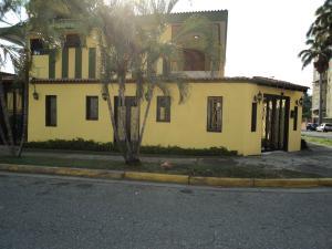 Local Comercial En Alquiler En Valencia, Trigal Sur, Venezuela, VE RAH: 16-13515