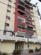 Apartamento En Venta En Valencia, La Pastora, Venezuela, VE RAH: 16-13530