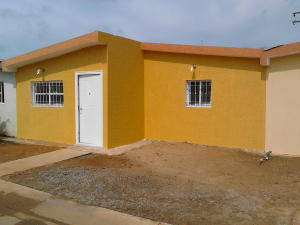 Casa En Venta En Los Puertos De Altagracia, Via Principal, Venezuela, VE RAH: 16-13536