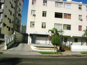 Apartamento En Venta En Valencia, Sabana Larga, Venezuela, VE RAH: 16-13561