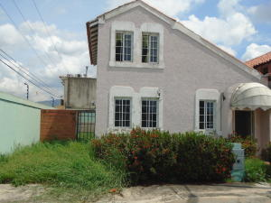 Casa En Venta En Guacara, Ciudad Alianza, Venezuela, VE RAH: 16-13565