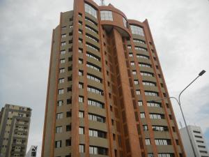 Apartamento En Venta En Maracaibo, 5 De Julio, Venezuela, VE RAH: 16-13692