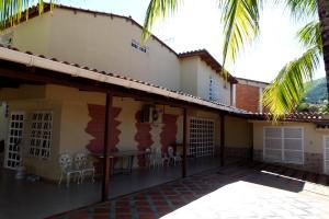 Casa En Venta En Turmero, Haras De San Pablo, Venezuela, VE RAH: 16-13578