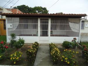 Casa En Venta En Cabudare, El Trigal, Venezuela, VE RAH: 16-13584