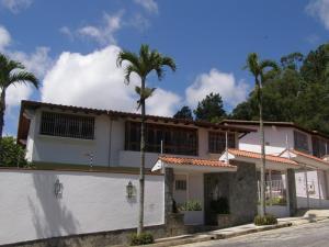 Casa En Ventaen Caracas, Los Naranjos Del Cafetal, Venezuela, VE RAH: 16-13700