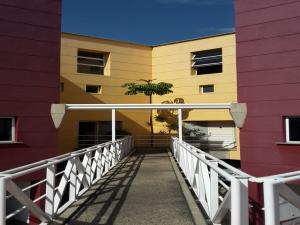 Townhouse En Venta En Caracas, Los Naranjos Del Cafetal, Venezuela, VE RAH: 16-13610