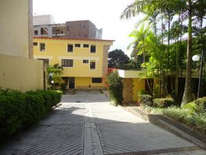 Townhouse En Venta En Caracas, Parque Oripoto, Venezuela, VE RAH: 16-13706