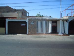 Casa En Venta En Punto Fijo, Centro, Venezuela, VE RAH: 16-13613