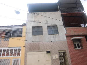 Casa En Venta En Caracas, Catia, Venezuela, VE RAH: 16-13612