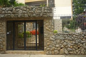 Apartamento En Venta En Valencia, La Trigaleña, Venezuela, VE RAH: 16-13617