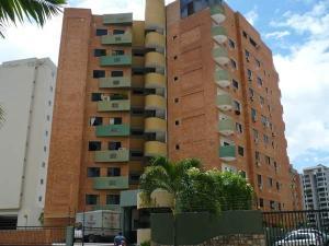 Apartamento En Venta En Valencia, Los Mangos, Venezuela, VE RAH: 16-13533