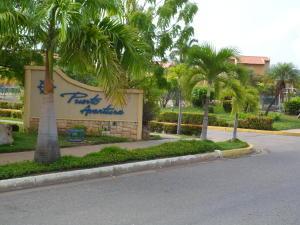 Apartamento En Venta En Lecheria, Complejo Turistico El Morro, Venezuela, VE RAH: 16-13654