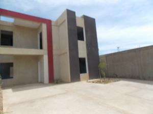 Casa En Venta En Punto Fijo, Guanadito, Venezuela, VE RAH: 16-13660