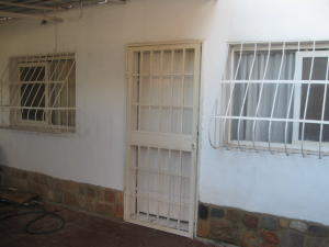 Casa En Venta En Intercomunal Maracay-Turmero, Intercomunal Turmero Maracay, Venezuela, VE RAH: 16-13662