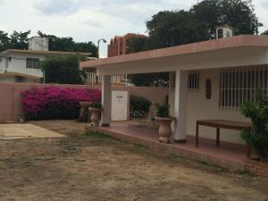 Casa En Venta En Maracaibo, Zapara, Venezuela, VE RAH: 16-13663
