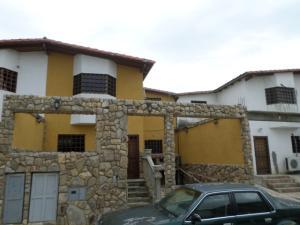 Casa En Venta En Cua, Loma Linda Country, Venezuela, VE RAH: 16-13665