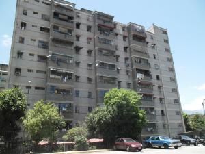 Apartamento En Venta En Guarenas, Menca De Leoni, Venezuela, VE RAH: 16-13704