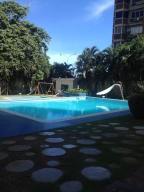 Apartamento En Venta En Parroquia Caraballeda, Palmar Este, Venezuela, VE RAH: 16-13616
