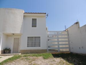 Casa En Venta En Cua, Villa Falcon, Venezuela, VE RAH: 16-13728