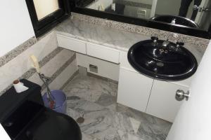 Apartamento En Venta En Caracas En La Castellana - Código: 16-13707