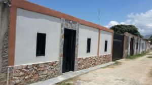 Casa En Venta En Municipio Diego Ibarra, Mariara, Venezuela, VE RAH: 16-13737