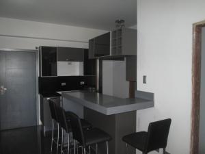 Apartamento En Alquileren Maracaibo, Avenida Bella Vista, Venezuela, VE RAH: 16-13739