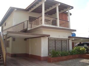 Casa En Alquiler En Ciudad Ojeda, Avenida Bolivar, Venezuela, VE RAH: 16-13751
